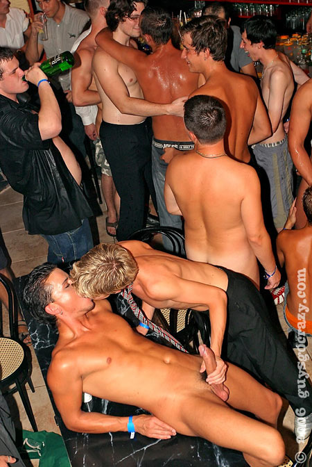 free cute gay cumshot pictures nl