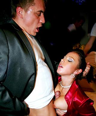 Crazy willing drunk babes sucking stiff stripper peckers