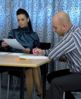 Fairly hot fetish chick loves drilling bald guy hardcore