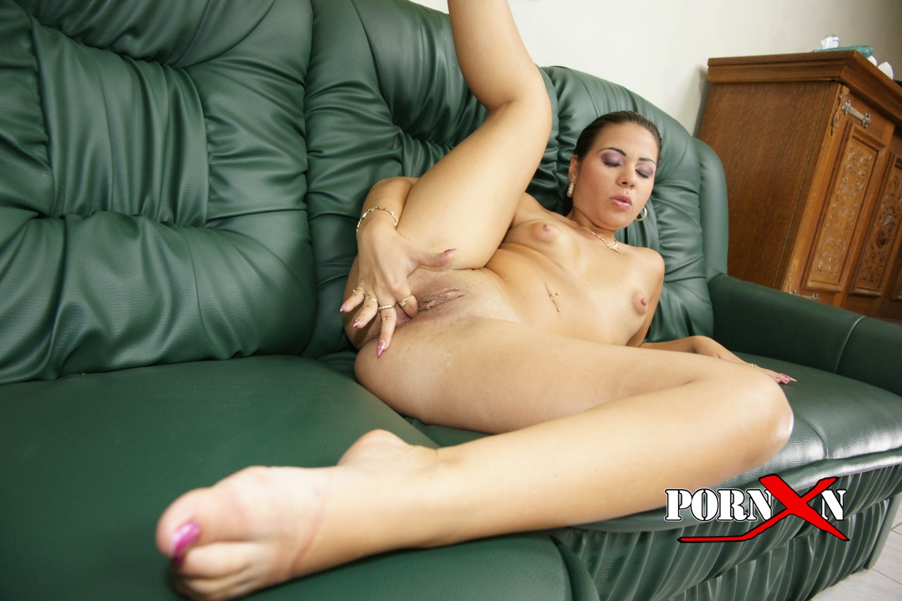 Horny bitch can039t wait any longer 10