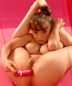 Astrée adorable busty teen, acrobat games with toys & squirting like a geyser!