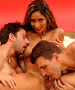 Arabic busty girl Salomé with 2 boys only for her (bj, vaginal...)!!!