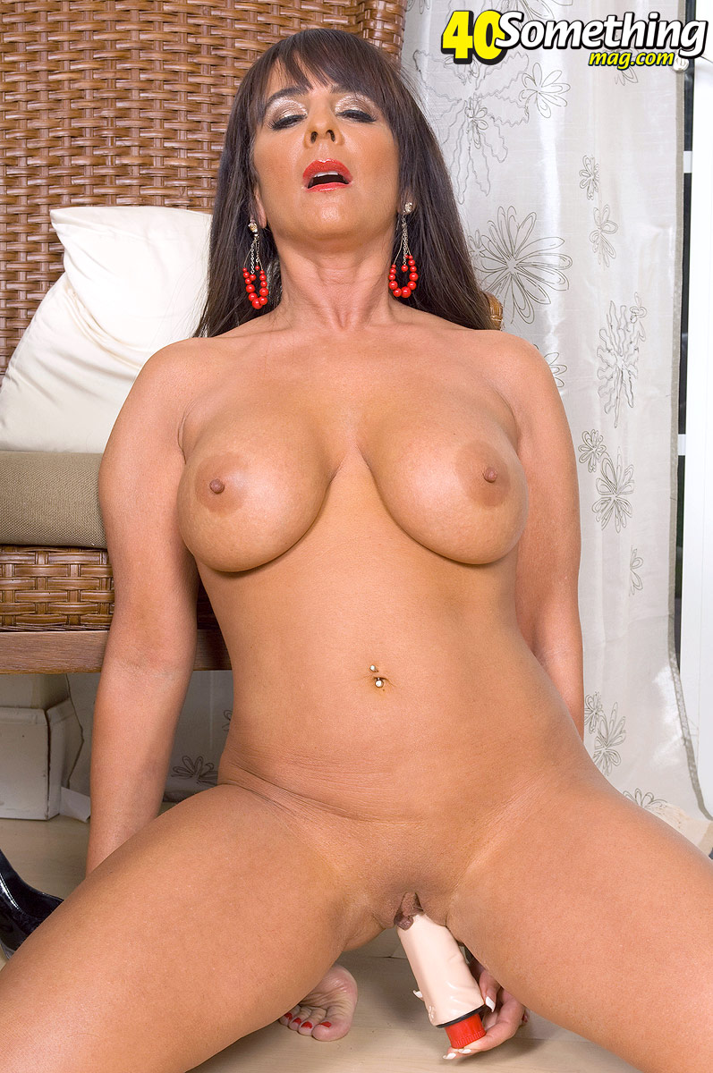 Mature mom janet in fuck date after her divorce 10