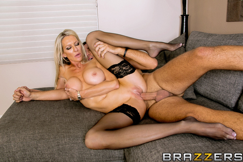Cant Put A Price On Quality Starring Emma Starr From Milfs Like It Big Brazzers Spicy Porn