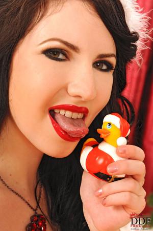 Win Karina Heart´s Christmas Ducky!