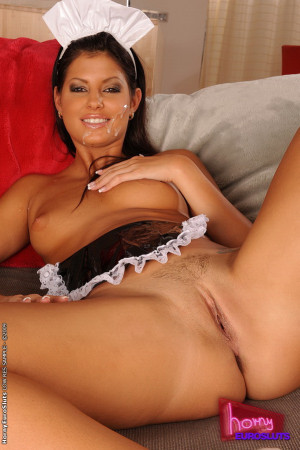 Hot maid fucking insted of cleaning the hotel room