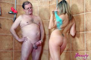 Senior soccer coach fucks a teenage female player in shower