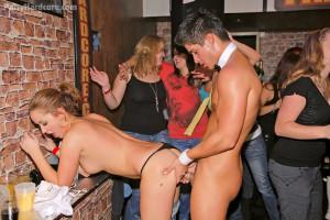 Dudes boning cute hot drunk babes at a big dancing party