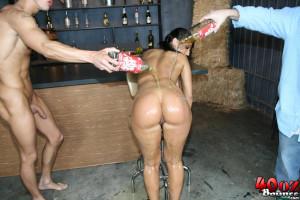 Ricki White – Busty brunette Ricki White shows off her big round ass