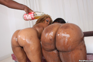 Mz Booty – Phat ass black slut getting her pussy shattered!