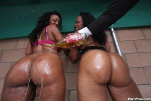 Sinnamon Love – Double 0 negro fucks two hot black booty bitches!