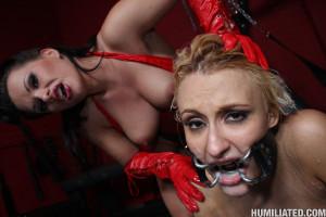 Mallory Rae – Dirty slut receiving huge nasty facials