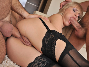 21Sextury Network – Ass Hole Fever – Magic Carpet