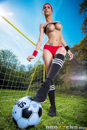 Jasmine Jae, Erica Fontes Pictures in World Cup UK Team Tits