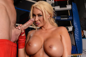 Summer Brielle Pictures in Knockout Knockers