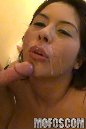 AJ Applegate, Esperenza Diaz, Candi Coxx in Hotel Room Gangbang – Mofosnetwork.com