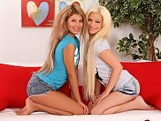 Petite vixens undress lick and dildo tight twats on sofa