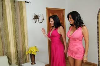 Tara Holiday, Veronica Avluv & Johnny Castle in 2 Chicks Same Time - Naughty America
