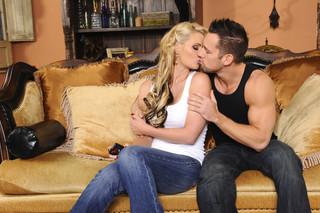 Phoenix Marie & Johnny Castle in My Dad´s Hot Girlfriend - Naughty America