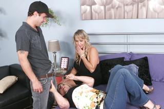 Summer, Wanda Lust & Alan Stafford in My Friend´s Hot Mom - Naughty America