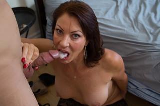 Vanessa Videl & Giovanni Francesco in My Friend´s Hot Mom - Naughty America