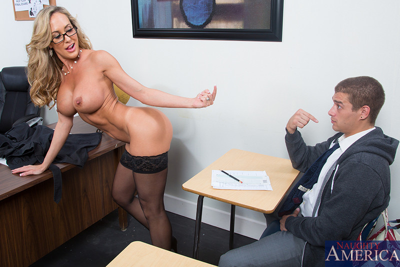 Young woman test huge cock at the casting for the first tim - 3 part 1