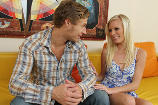 Elaina Raye & Michael Vegas in My Sister´s Hot Friend - Naughty America