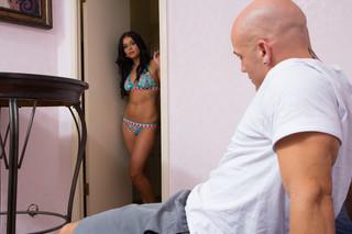 Victoria Blaze & Derrick Pierce in My Wife´s Hot Friend - Naughty America