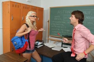 Tasha Loxx & Richie Calhoun in Naughty Bookworms - Naughty America