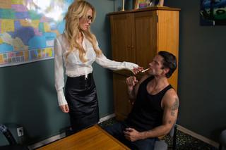 Sarah Jessie & Alan Stafford in Naughty Office - Naughty America
