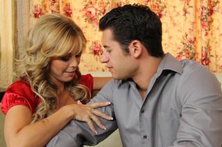 Amber Lynn Bach & Giovanni Francesco in Seduced by a Cougar - Naughty America