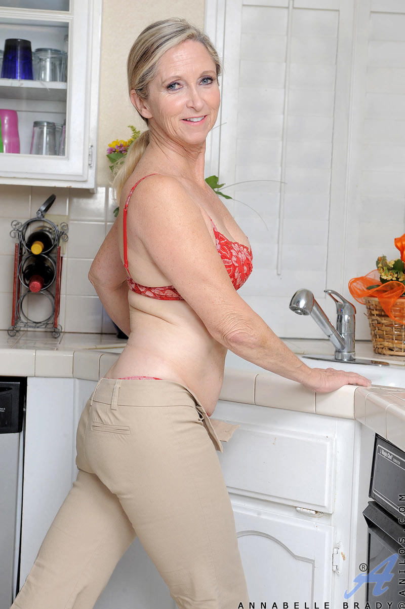 Annabelle Brady Hot cougar gets on top of the kitchen counter and ...