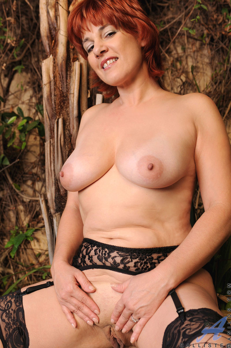 Naked girl lesbian
