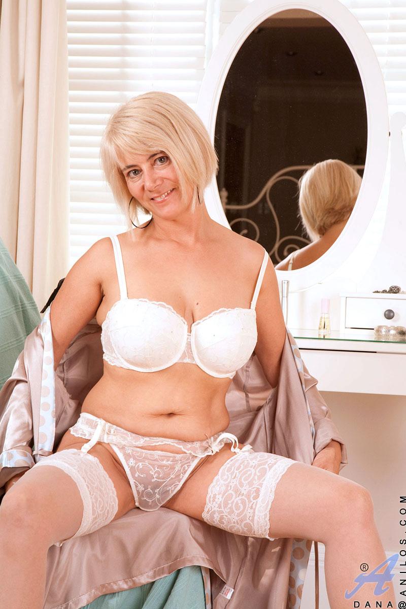 Mature blonde busty short