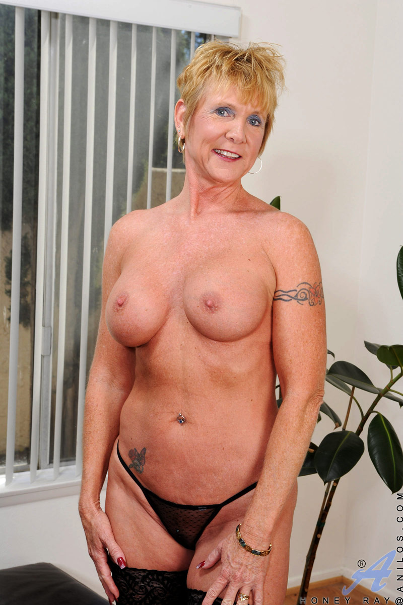 Mature porn blonde granny