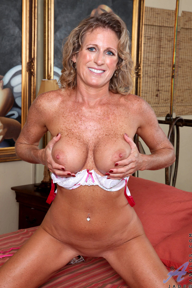 Well understand Lady mature tits