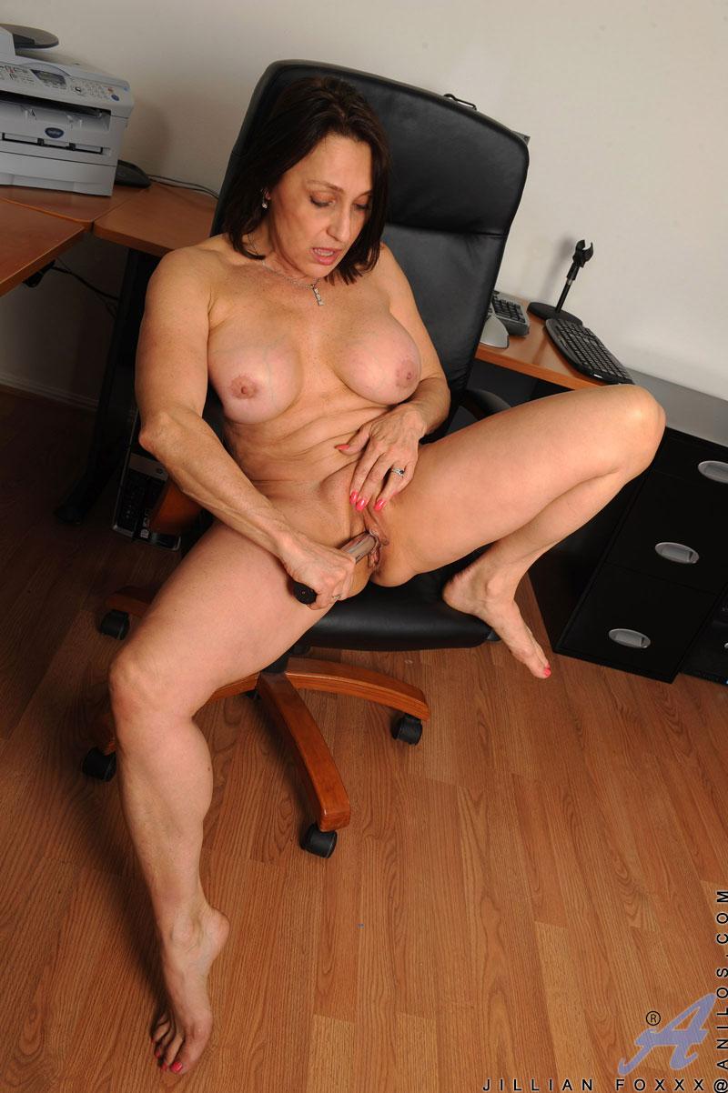 Старухи в порно в офисе 3 фотография