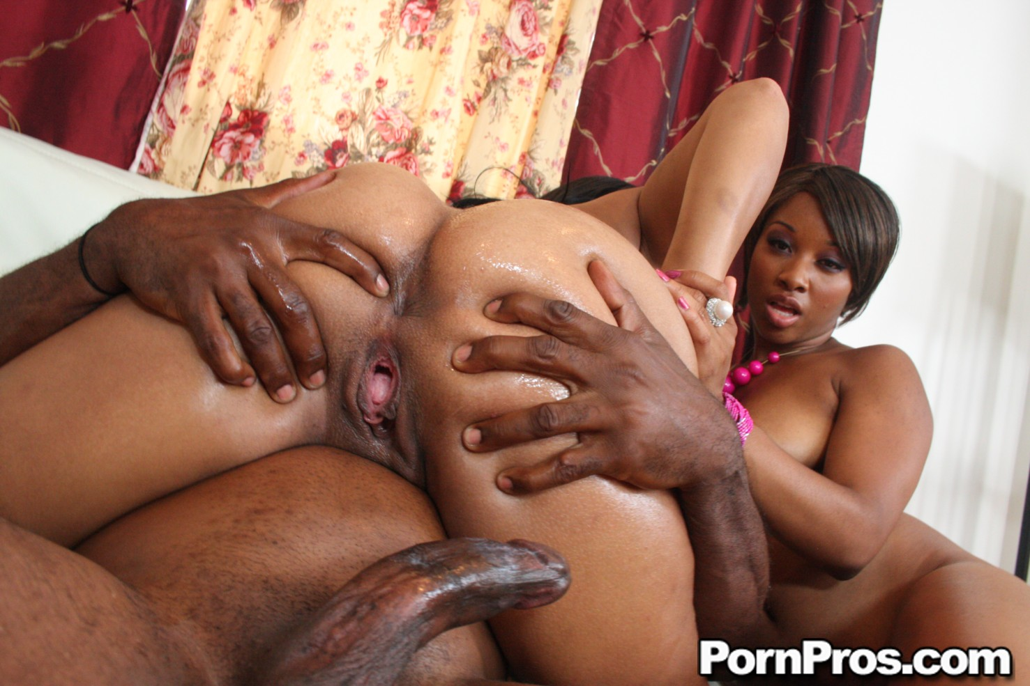 Смотреть порно кончить в анал негритянке 7 фотография