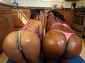 Anita and Serena shaking it - Anita and Serena shaking it
