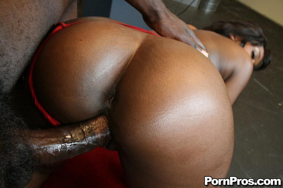 Big booty slut bouncing on dick