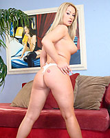Aline  - Hot blonde Aline shows off her deepthroat