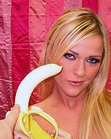 Mckenzie Miles - Hot blonde Mckenzie shows off her deepthroat
