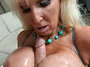 Tia Gunn - Wild fuckin´ photos of big tit whore doing her thang