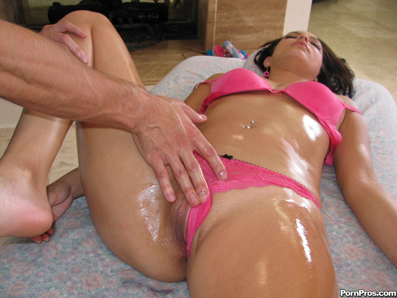 Секс во время массажа смотреть онлайн бесплатно 18 фотография