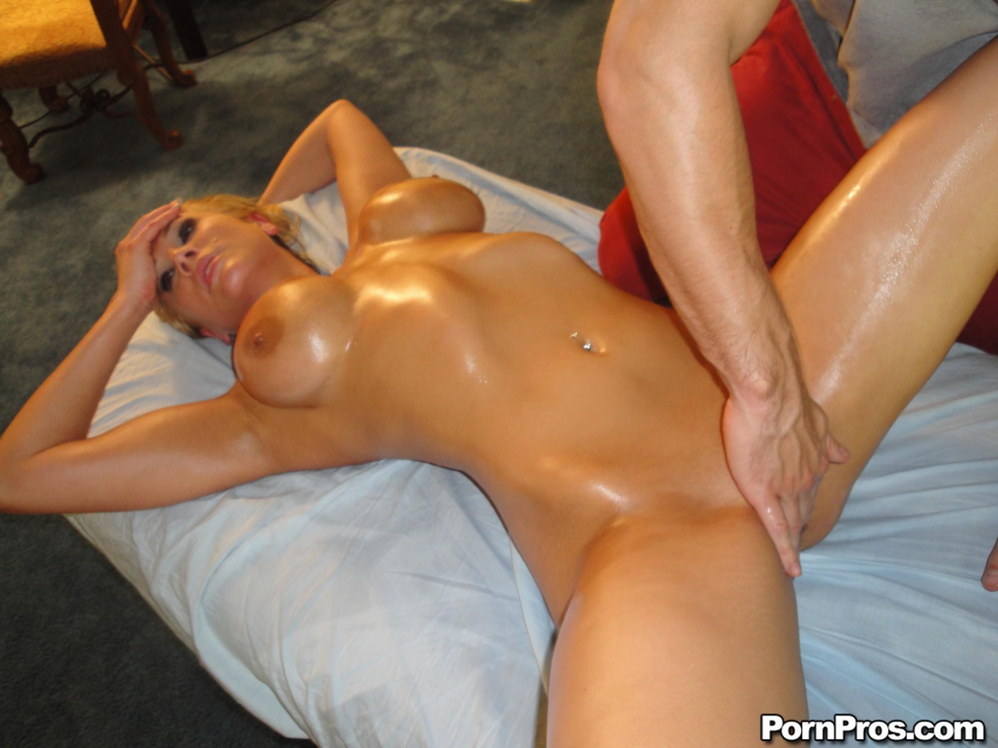 naked orgasm oil massage