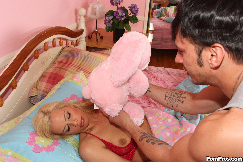 Смотреть порно онлайн она спала 12 фотография