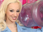 Jada Stevens - Blonde bitch didn´t stand a chance against monster cock & Flexi bitch gives yoga head.