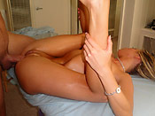 Samantha Saint - Hot slut gets extra service on the massage table