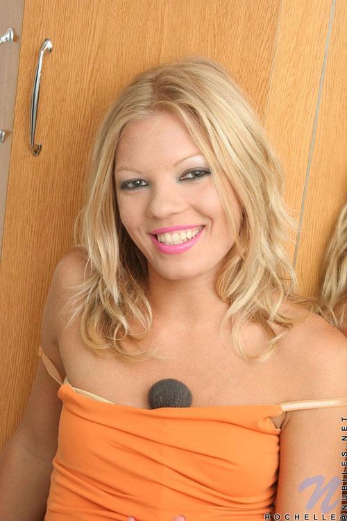 Horny Blonde Teen Masturbating Hard on Cam - Free
