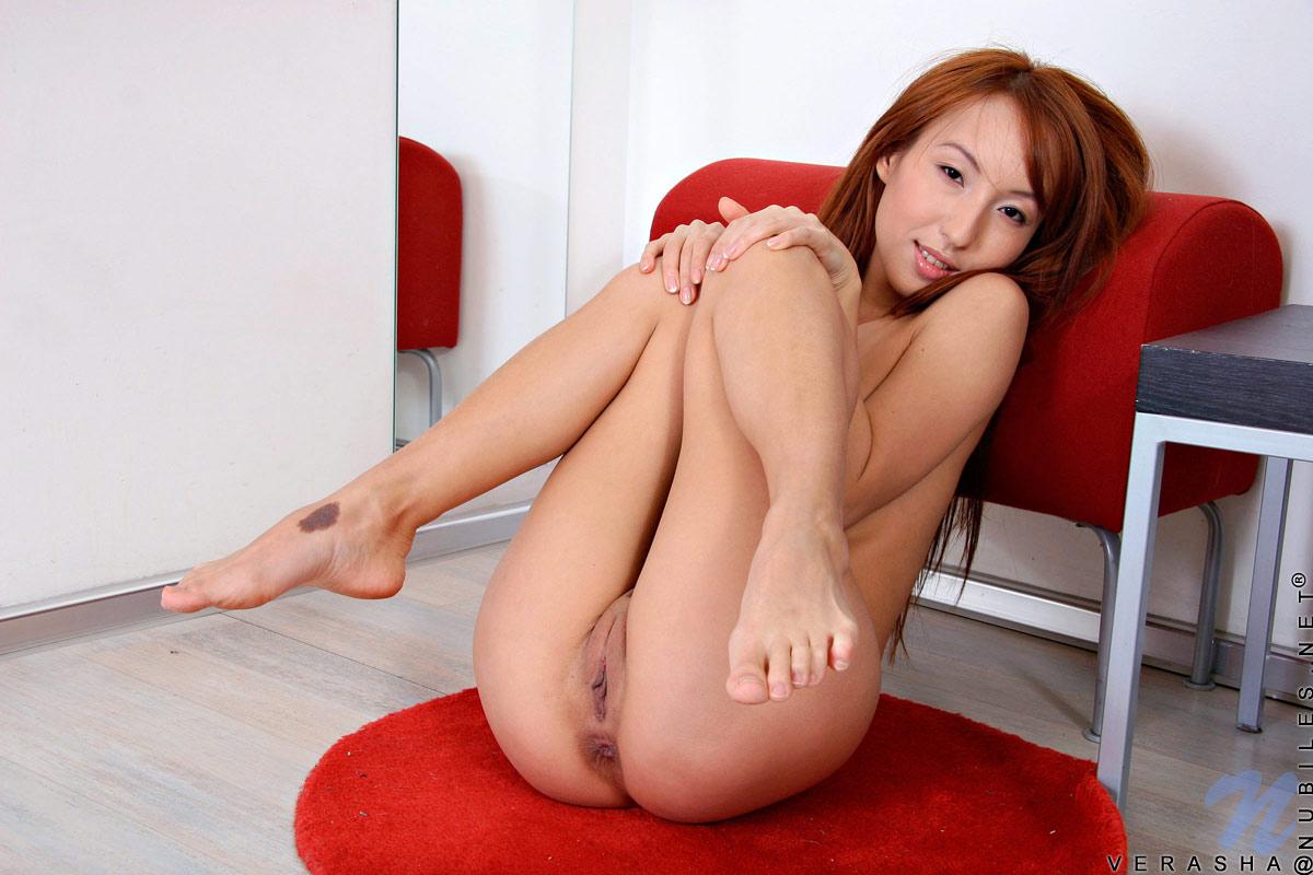 girls strip nude in public